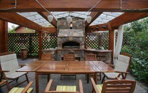 Летняя кухня с барбекю