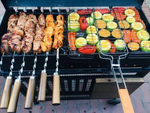 мясо и овощи на мангале
